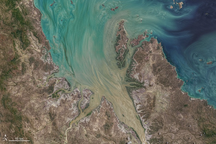 Tremendous Tides in Broad Sound - related image preview
