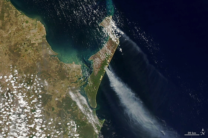 Fraser Island Blazes - related image preview