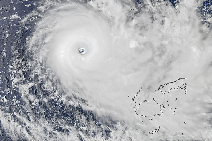 Cyclone Yasa Bearing Down on Fiji - selected image