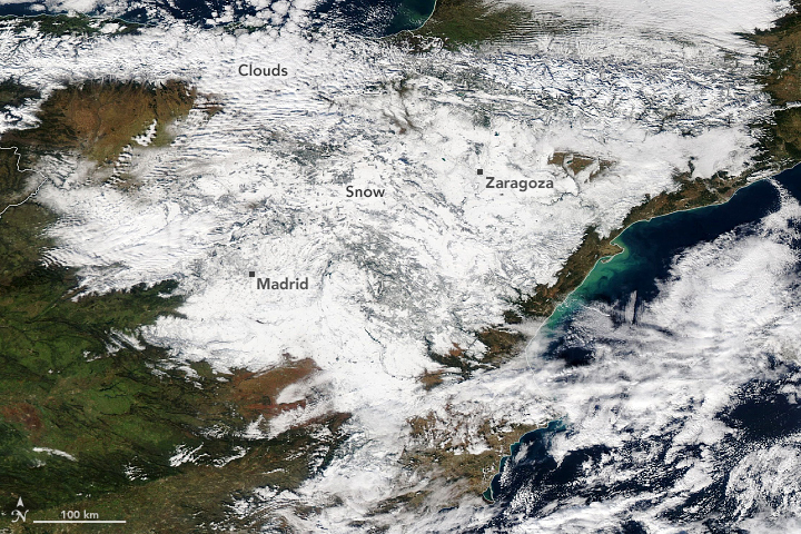 Heavy Snowfall Blankets Spain - related image preview