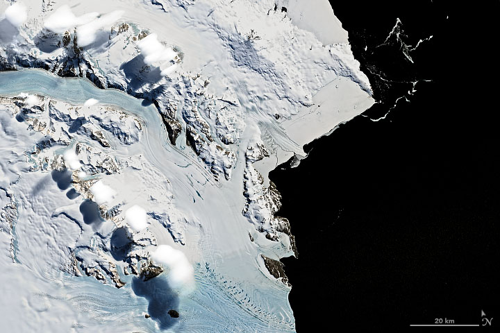 Curious Clouds in the Transantarctic Mountains - related image preview