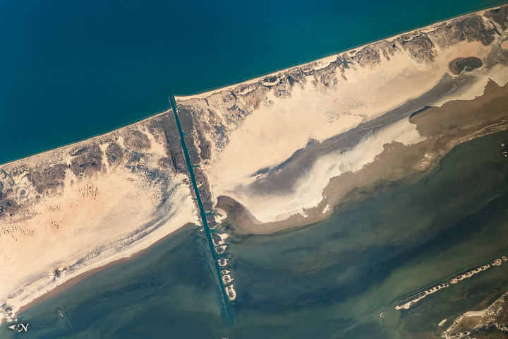 Sands and Mats at Padre Island - related image preview
