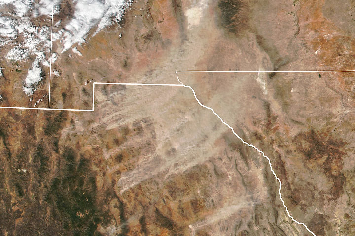 Long-lasting Dust Storm from Chihuahua