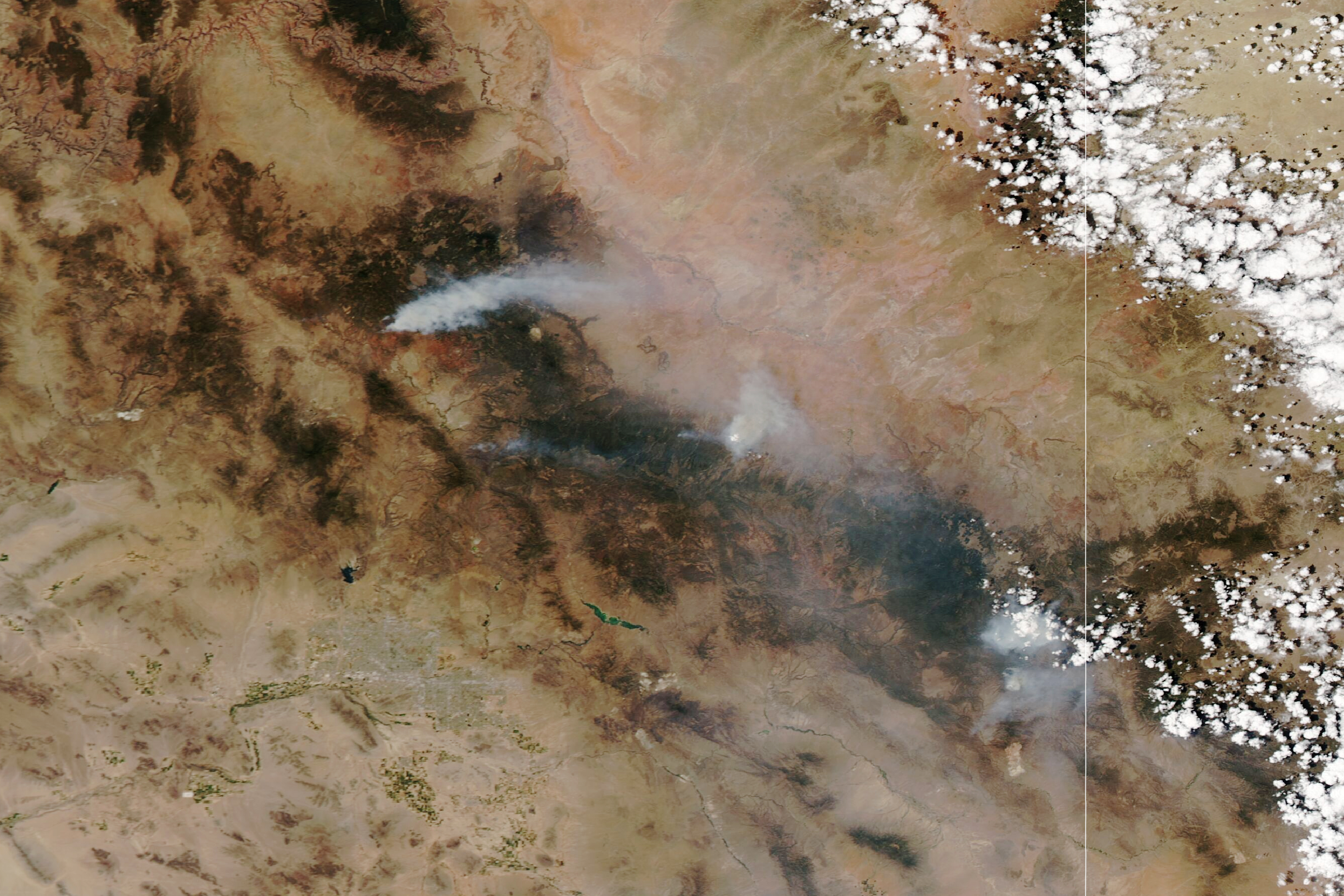 Fires Rage in Arizona - related image preview