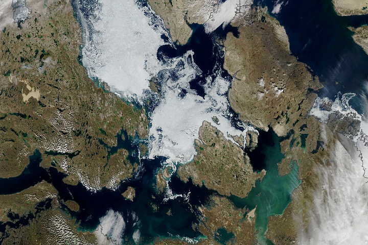Ice Persists in the Northwest Passage