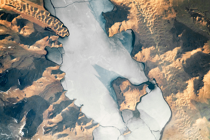 A Meeting of Ice and Dunes