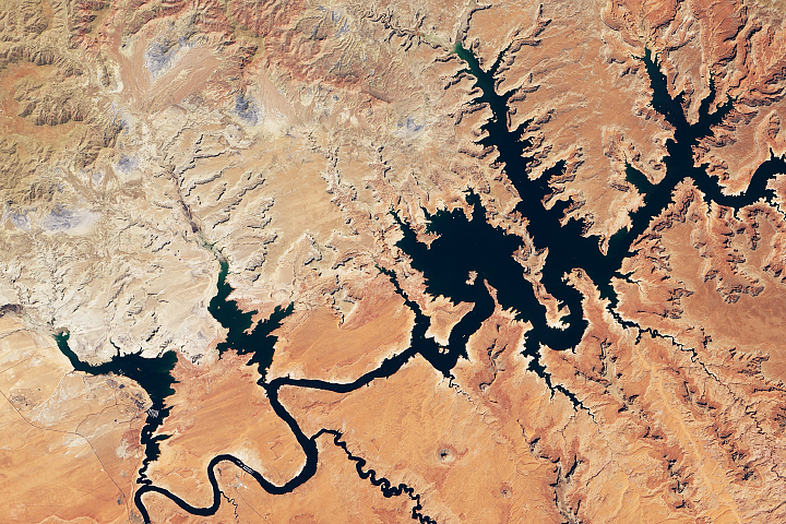 Lake Powell Reaches New Low