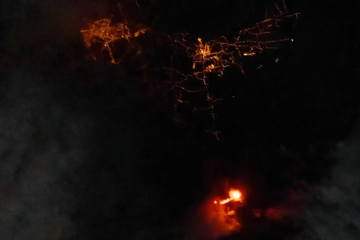 Cumbre Vieja Lights Up the Night