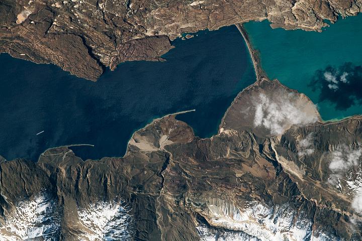 Lakes Pueyrredón and Posadas