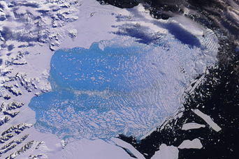 Larsen B Ice Shelf Collapse - related image preview