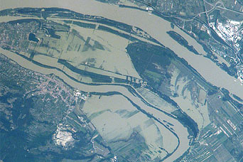Danube River flooding near Vac, Hungary - related image preview