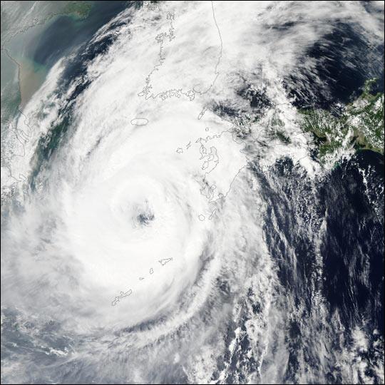 Typhoon Rusa Scours Korea