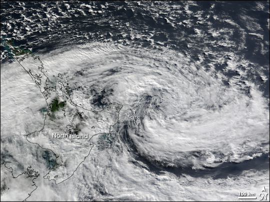 Winter Cyclone Lashes New Zealand