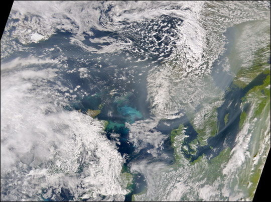 Smoke from Asian Fires over Europe