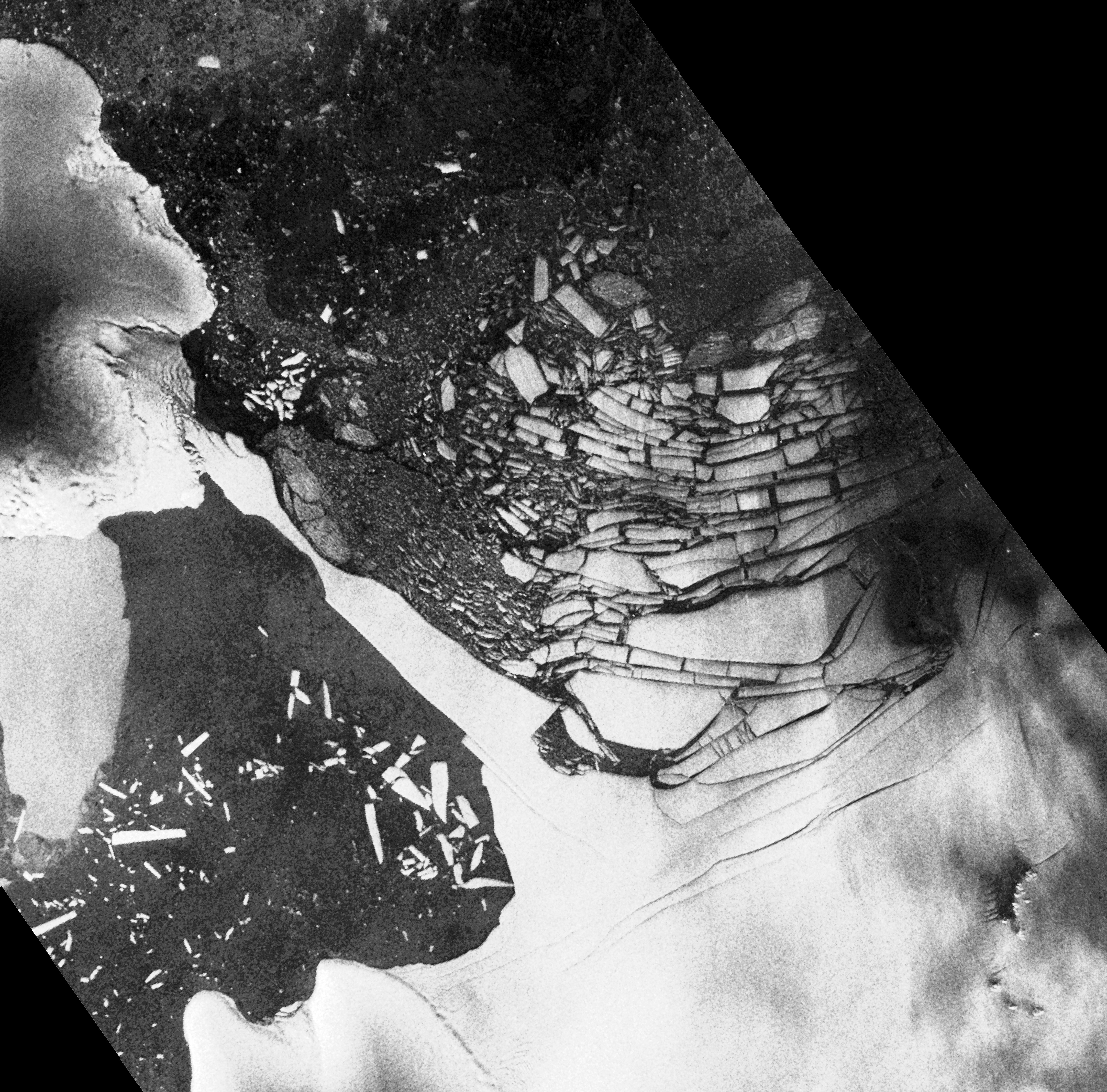 New Cracks in the Wilkins Ice Shelf - related image preview