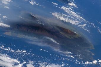 Hawaiian Vog Photographed from Space Shuttle  - related image preview