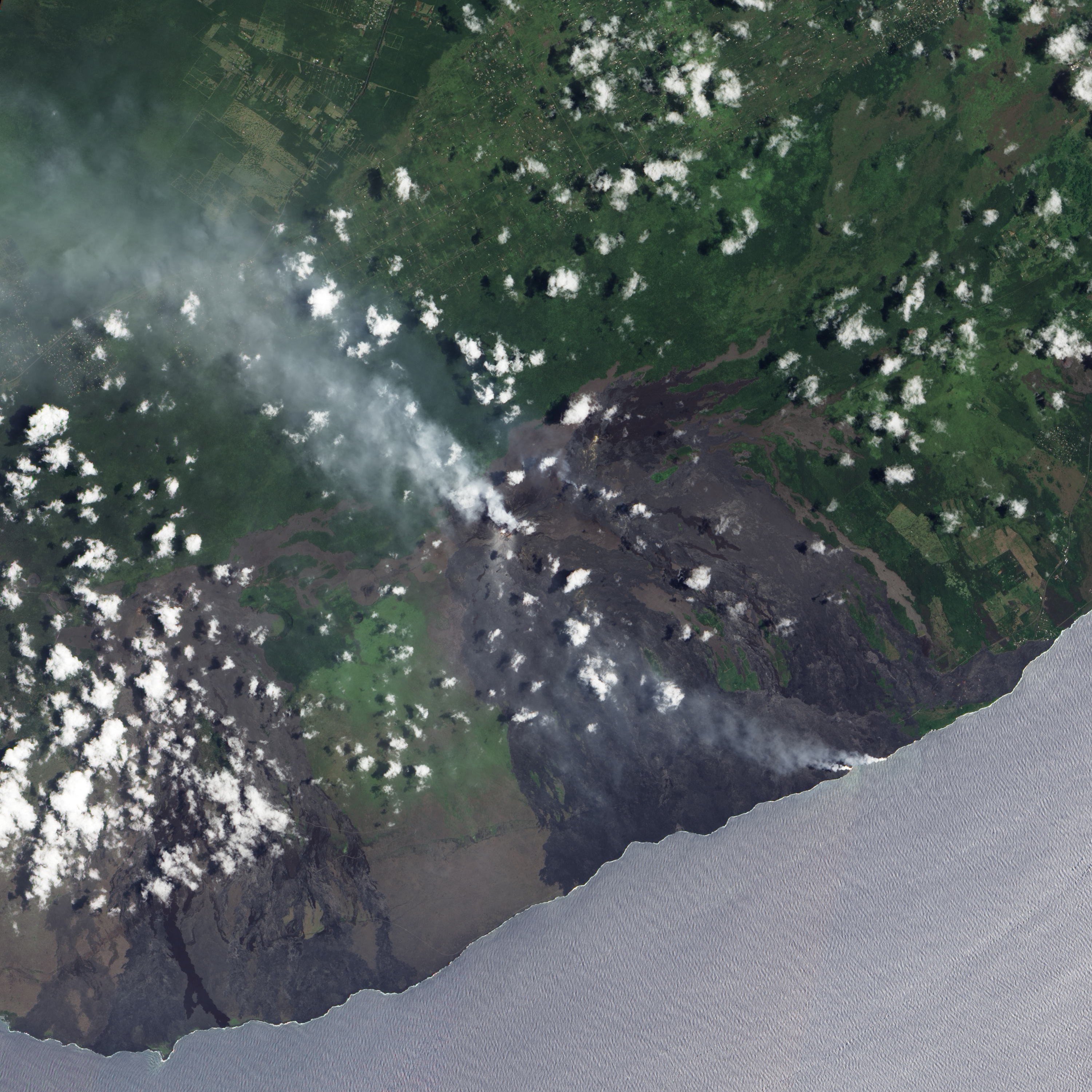 a look at the biggest and smallest volcanoes on earth There are about 1,900 active volcanoes on the earth  (these are the largest volcanoes) and dome a volcano has three categories to  the smallest microbe on earth.