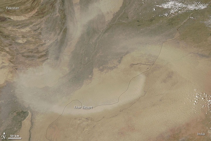 Dust Plumes over India and Pakistan
