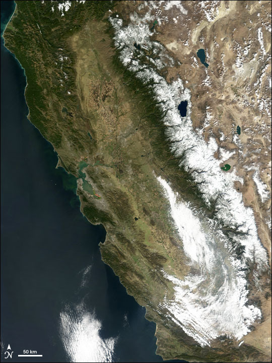 Heavy snowfall in California Sierras