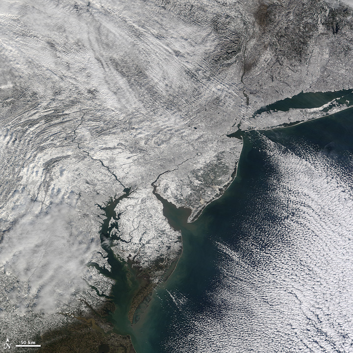 Snowstorm Hits the U.S. East Coast