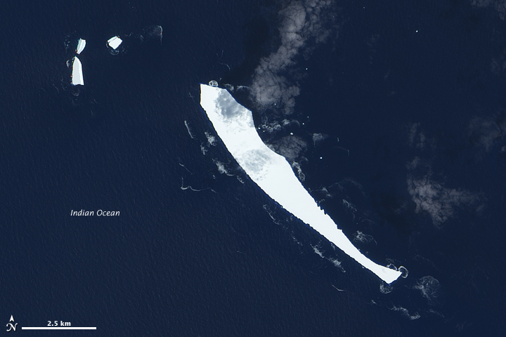 Iceberg B17-B in the Indian Ocean