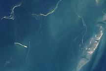 Oil Reaches Chandeleur Islands, Louisiana