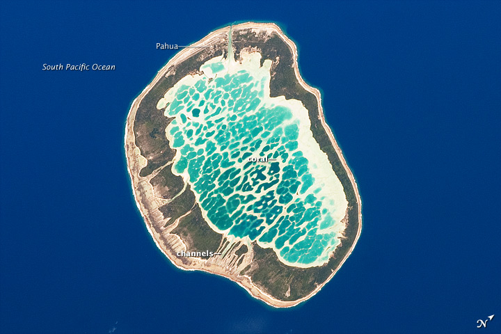 Mataiva Atoll, Tuamotu Archipelago, South Pacific Ocean