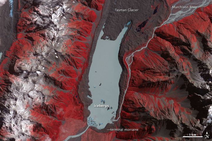 Earthquake Shakes Ice from New Zealand Glacier