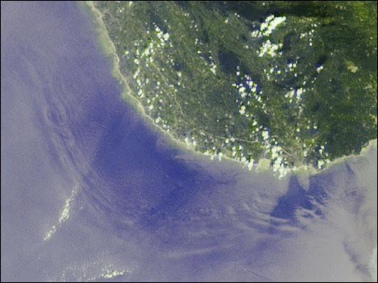 Deep Ocean Tsunami Waves off the Sri Lankan Coast