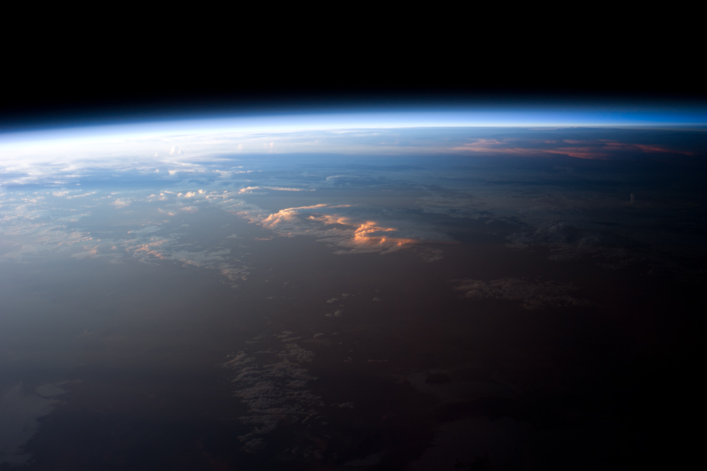 File:ISS-46 Fisheye lens night view of the Earth.jpg - Wikimedia ...