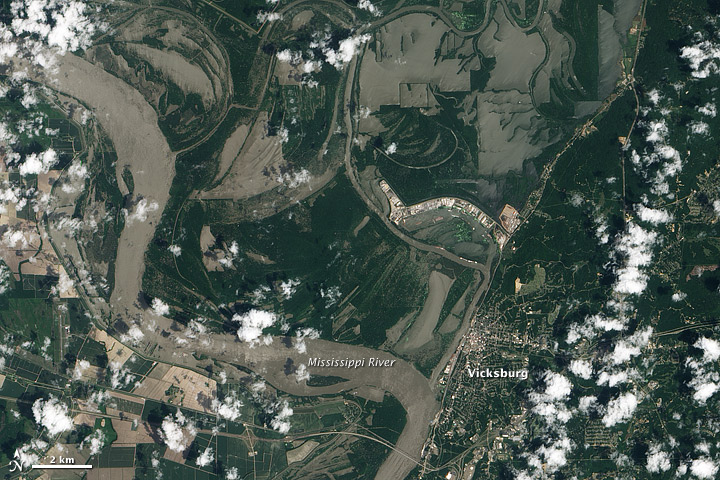 Flooding reaches Vicksburg, Mississippi