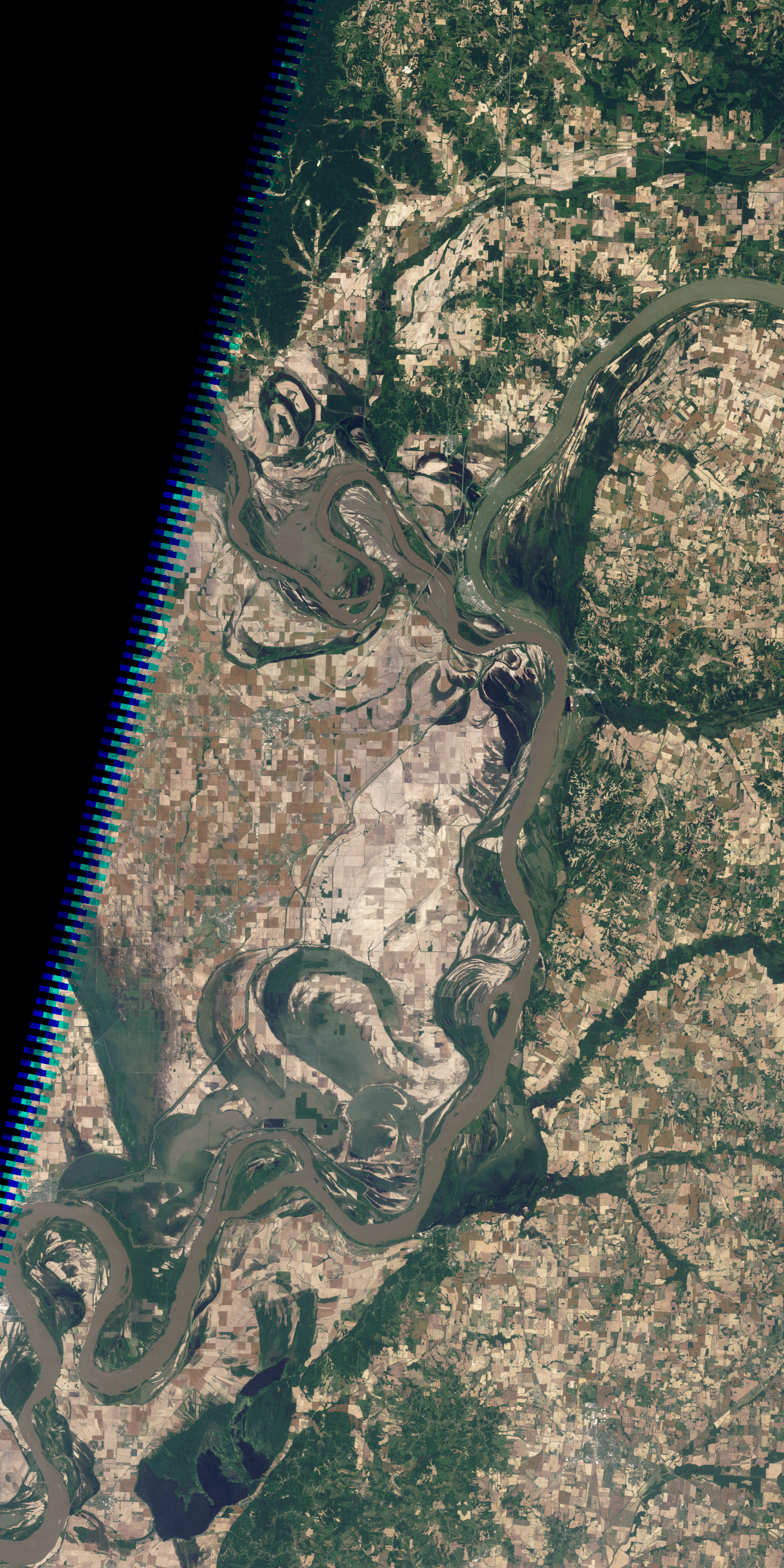 Floodwaters Retreat from Birds Point-New Madrid Floodway - related image preview