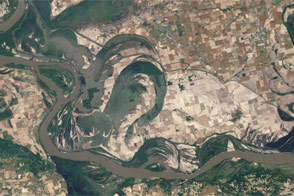 Floodwaters Retreat from Birds Point-New Madrid Floodway - selected image