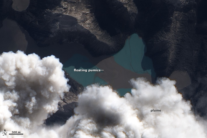 Floating Pumice near Puyehue-Cordón Caulle