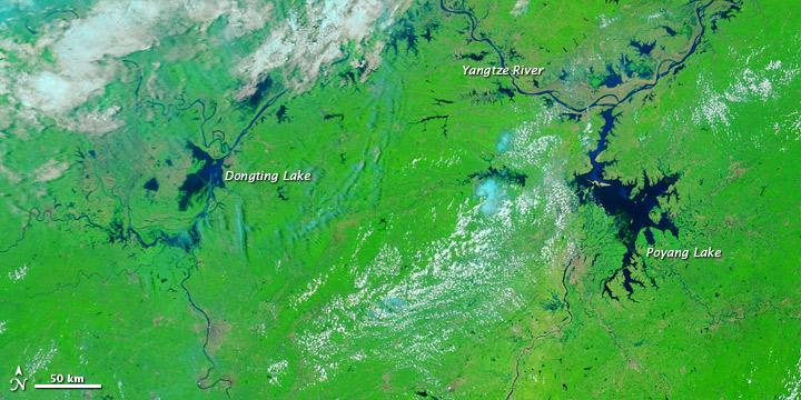 Floods along the Yangtze River