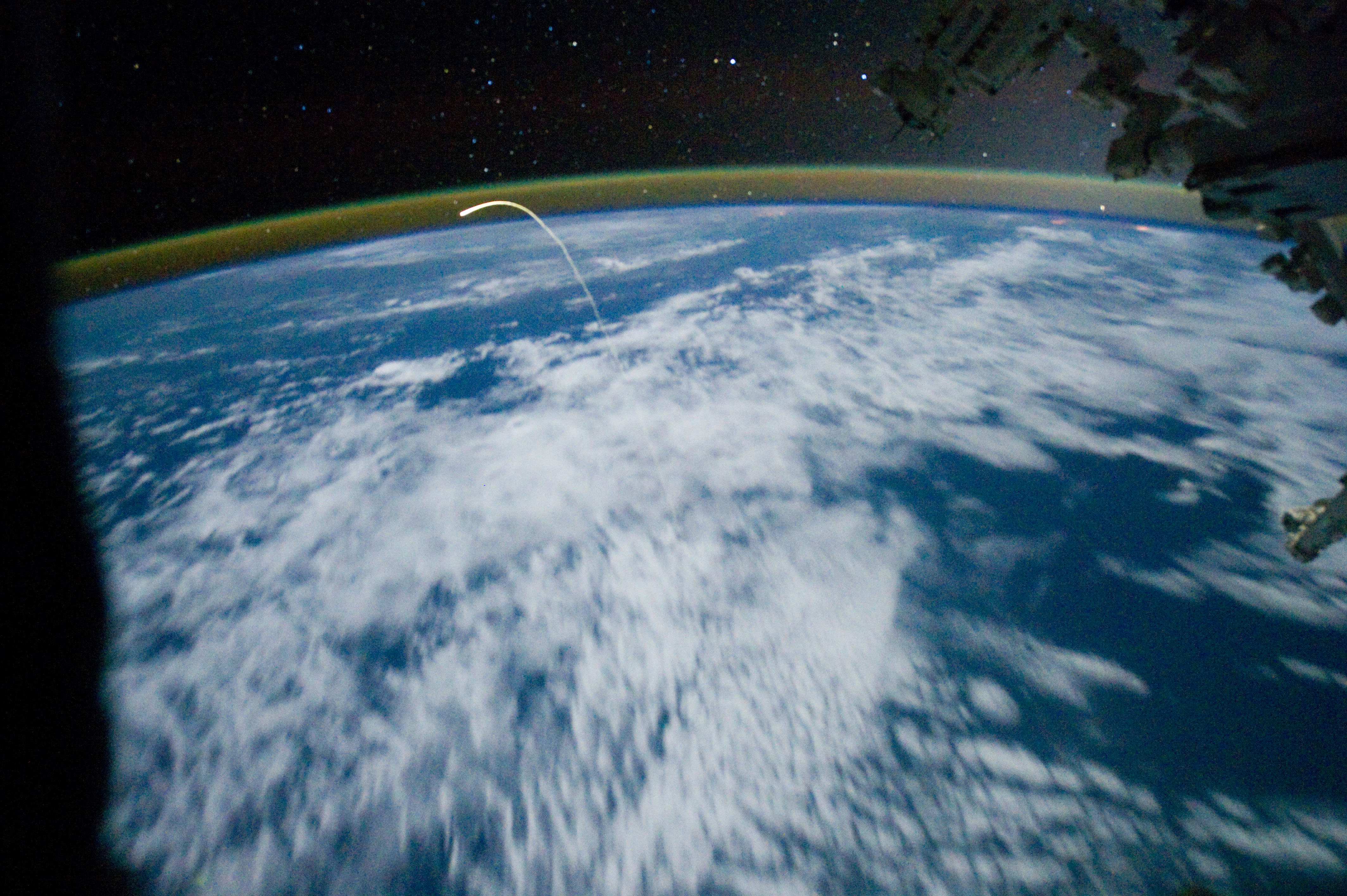 nasa space shuttle landing on earth - photo #36