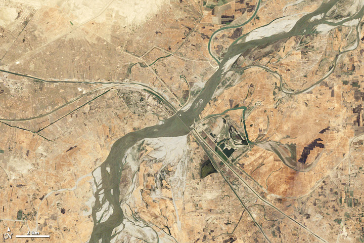 Seasonal Changes along the Indus River