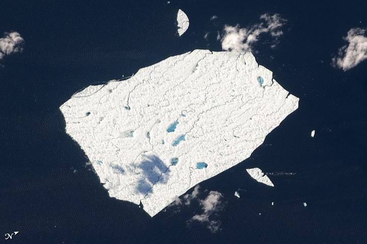 Melt Ponds, Petermann Ice Island