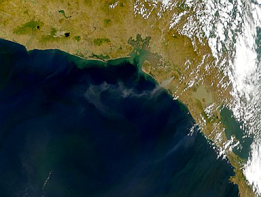 San Cristobal Eruption Plumes - related image preview