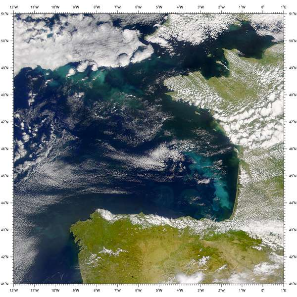 Nasa visible earth seawifs phytoplankton bloom in the bay of biscay file dimensions publicscrutiny Gallery