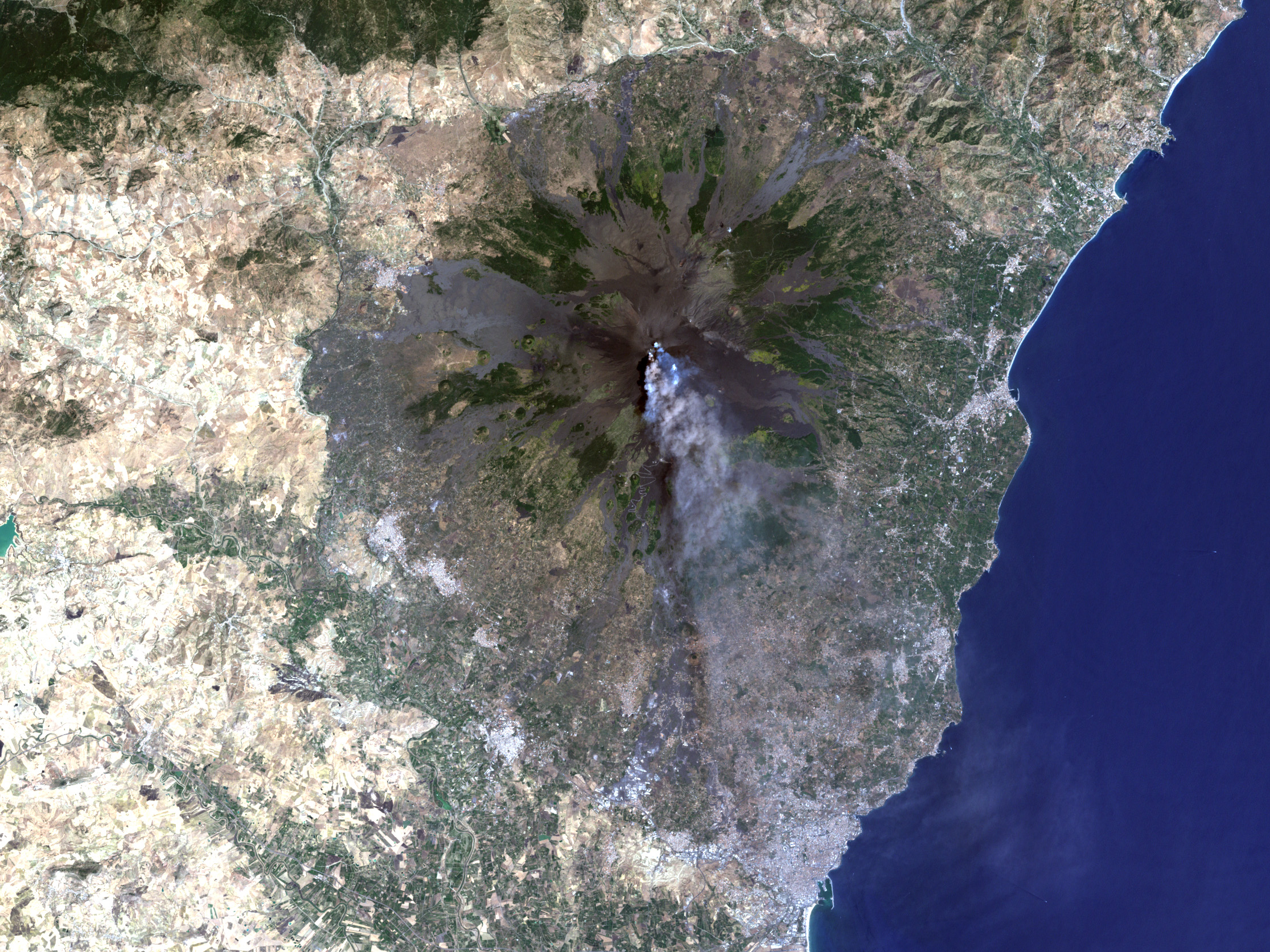 Zoom into Mount Etna - related image preview