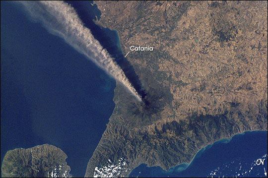 Dating method for volcanic ash