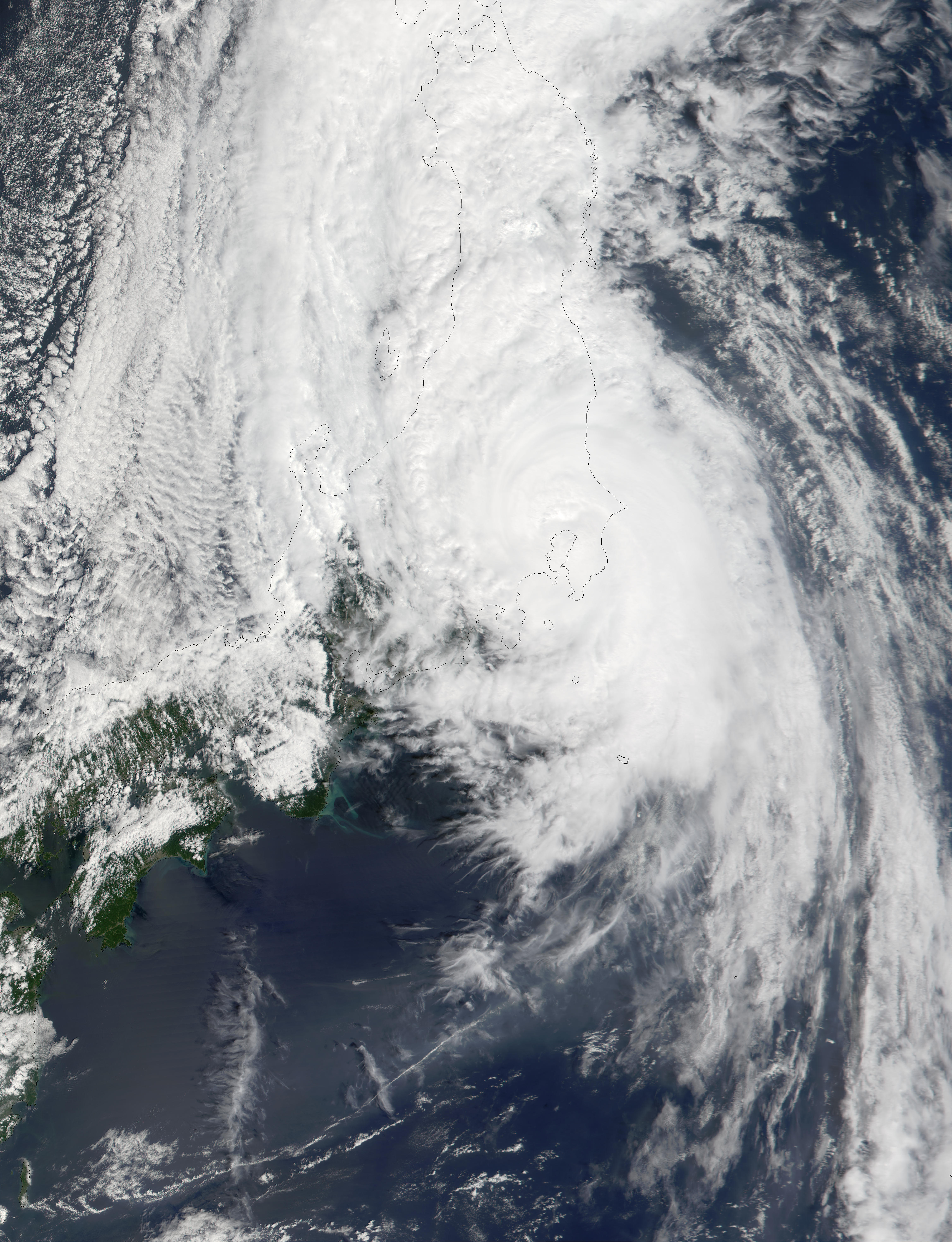 Typhoon Danas (19W) reaching the coast of Japan - related image preview