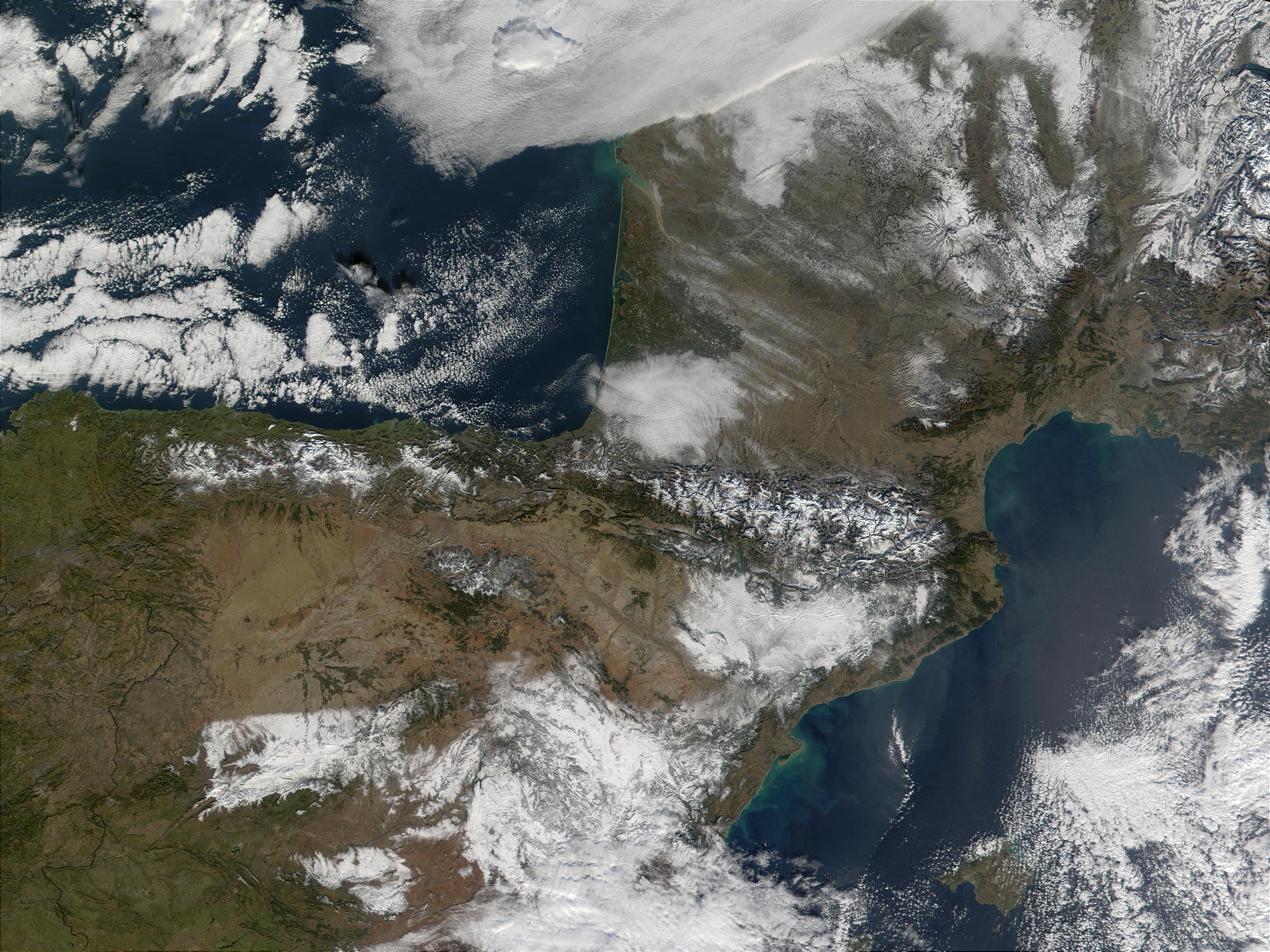 Snow in Spain and France - related image preview