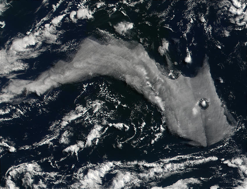 Odd cloud in the Ross Sea, Antarctica - related image preview