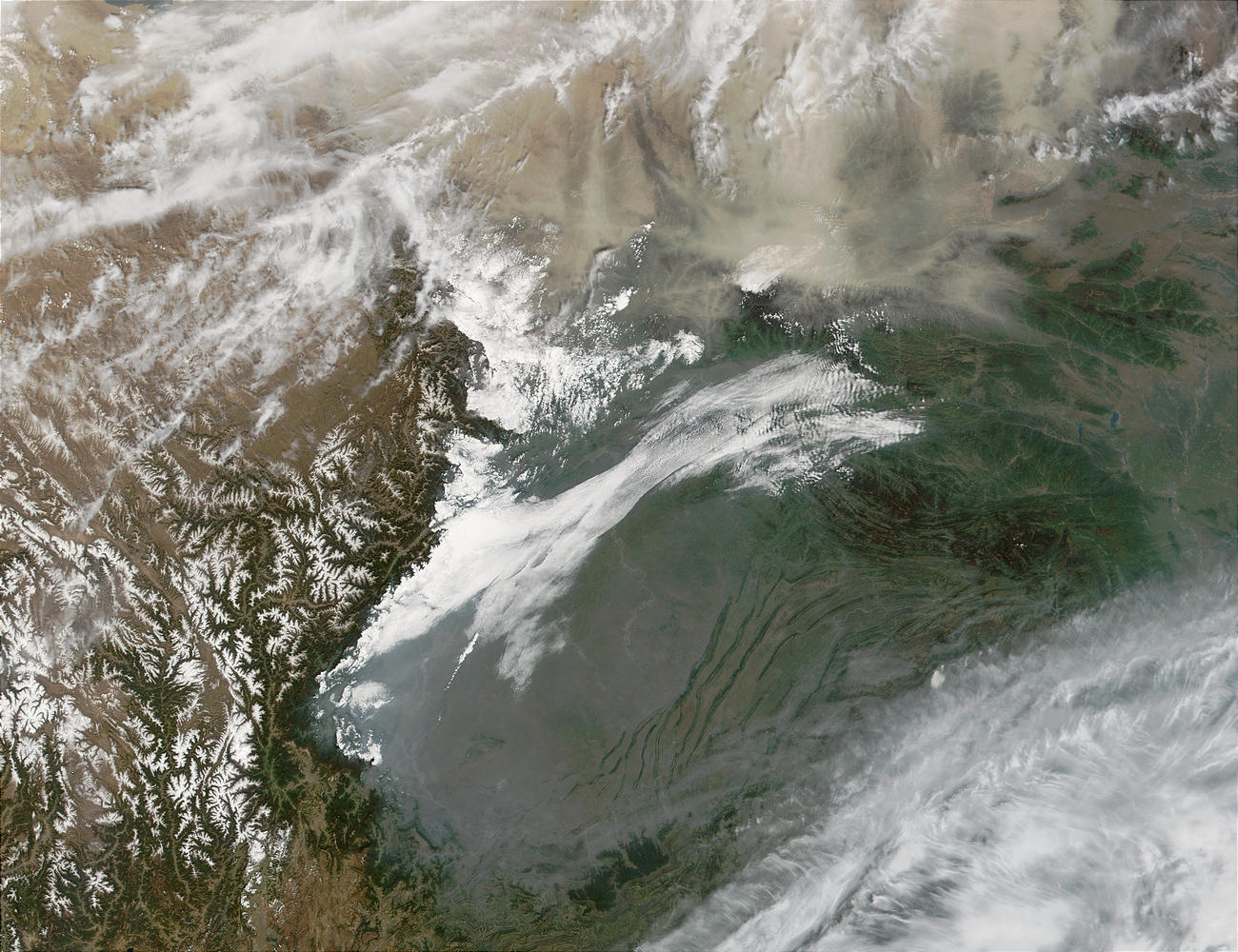 Pollution in Sichuan Basin and dust in Inner Mongolia, China - related image preview