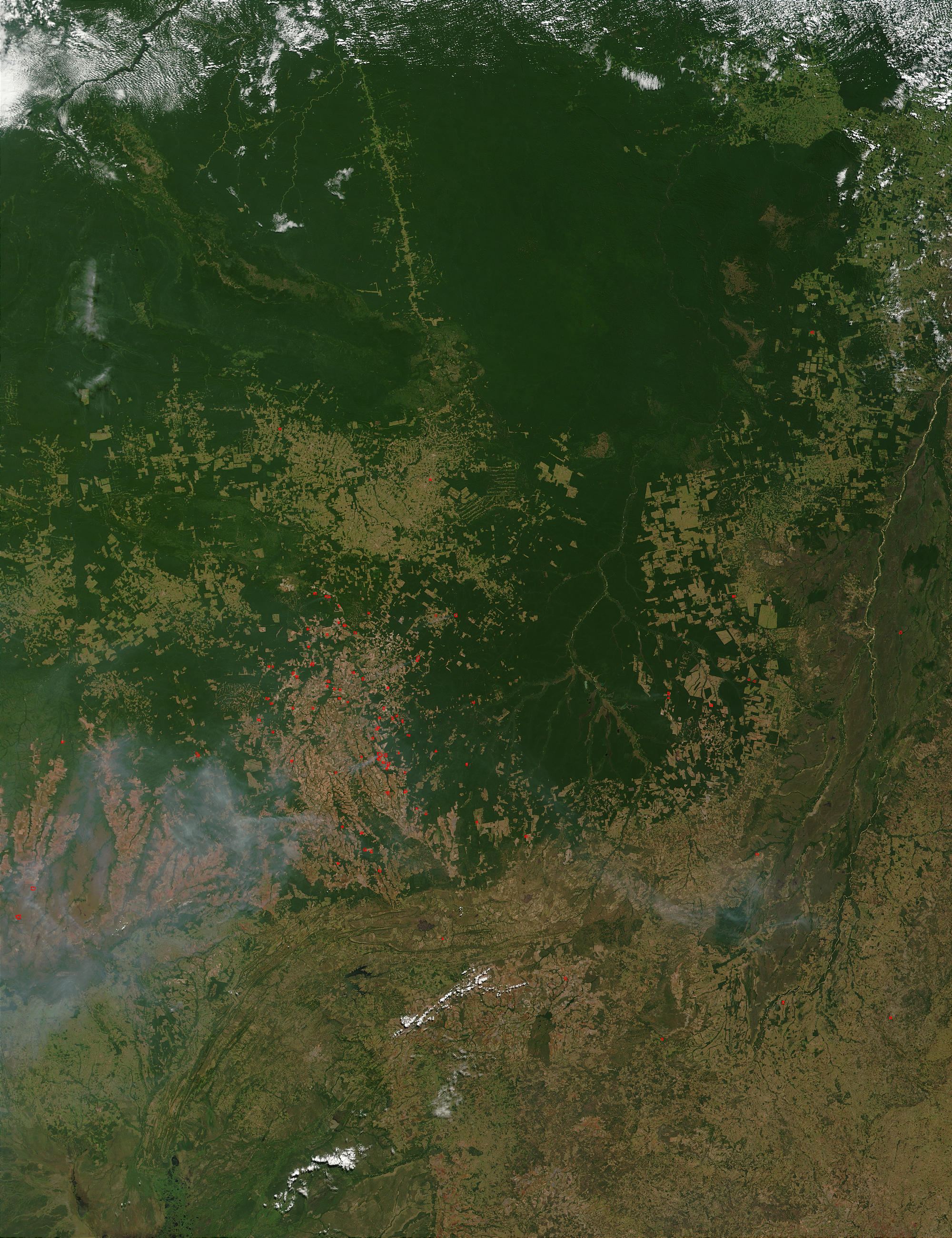 Fires and smoke in Mato Grosso, Brazil - related image preview