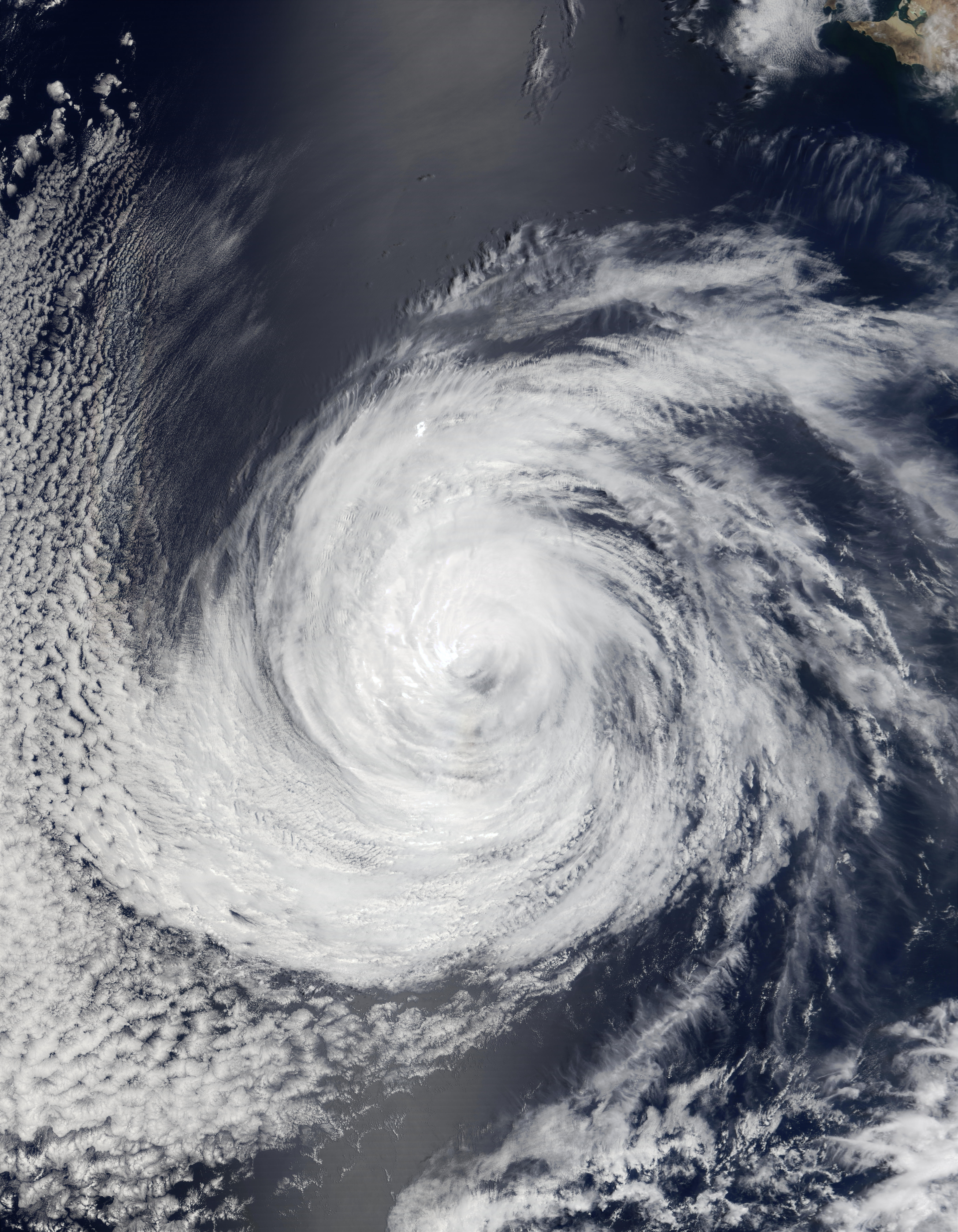 Hurricane Douglas south of California - related image preview