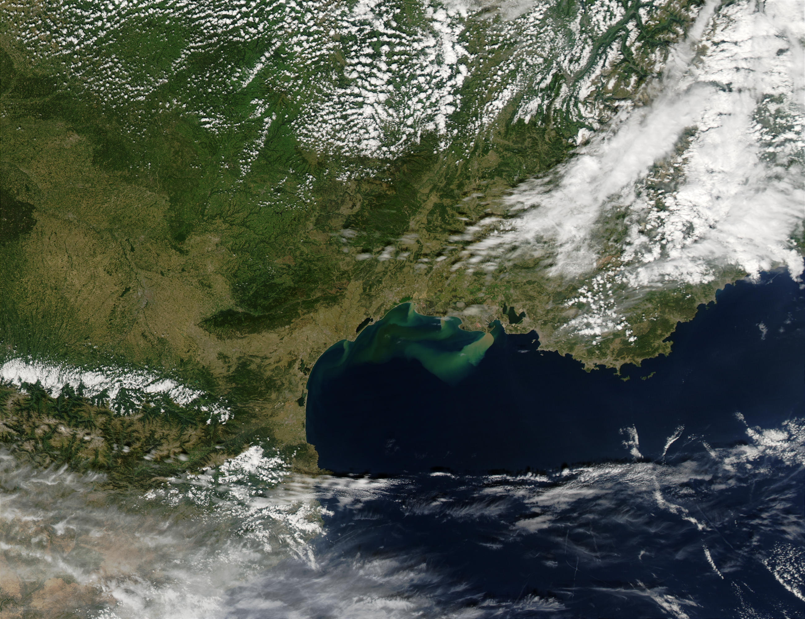 Run-offs from floods in Southern France - related image preview