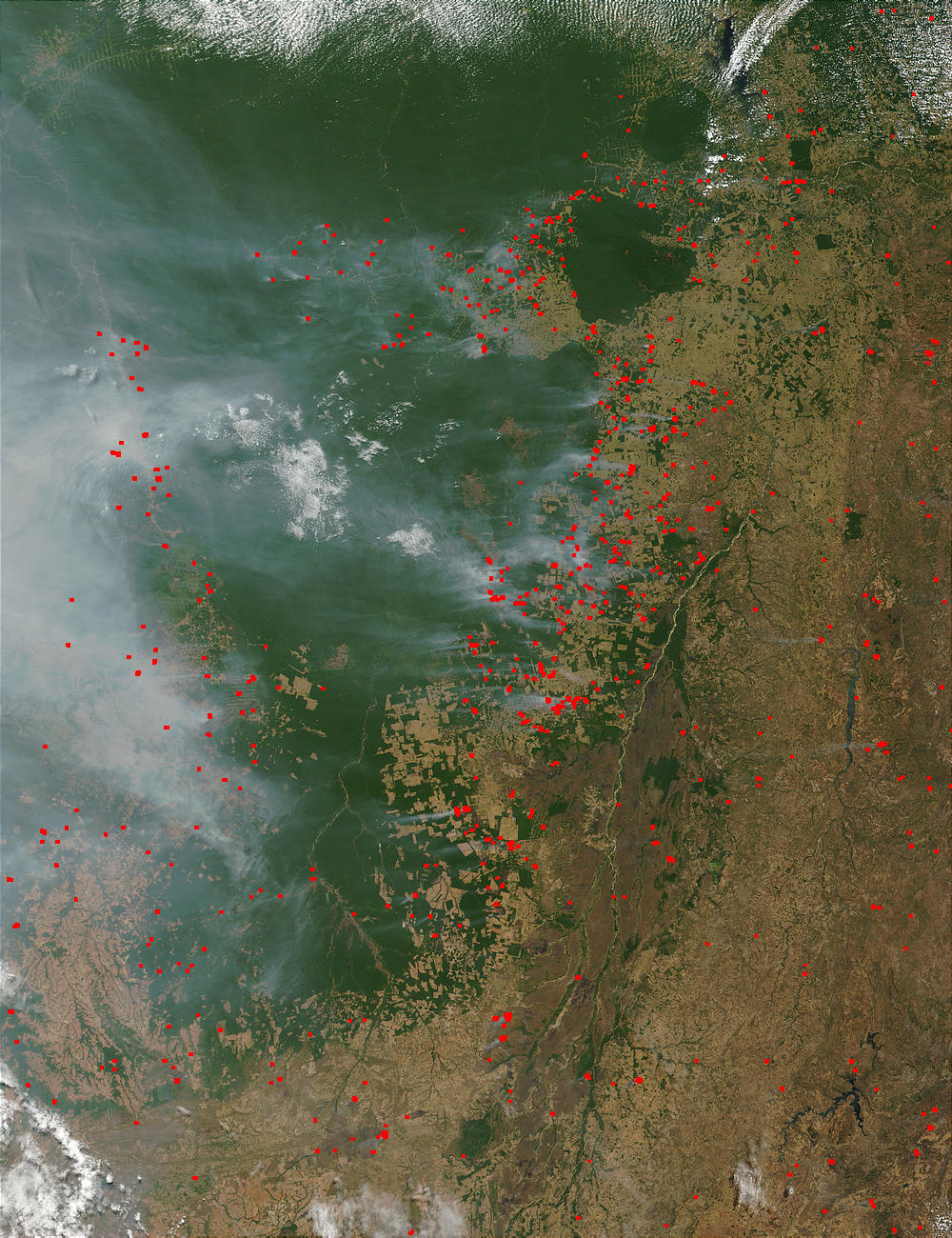 Fires and smoke in Central Brazil - related image preview